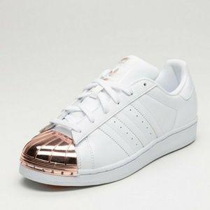 Adidas Superstar w/ Rose Gold Metal Toe